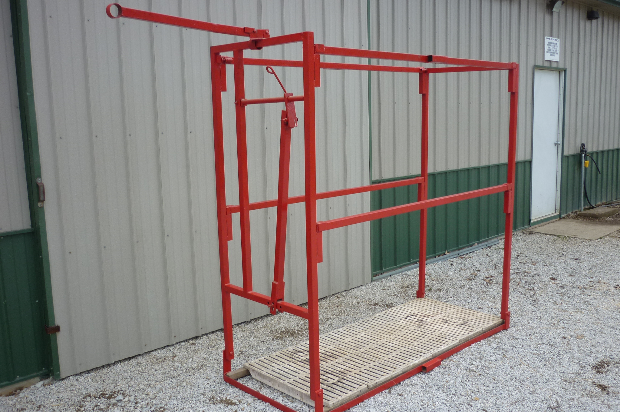 how to build a cattle chute
